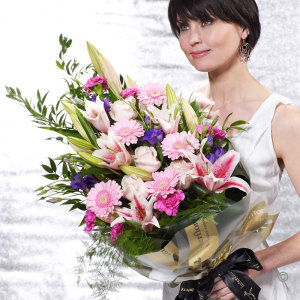 June The Florist - Flowers Delivered Halsall